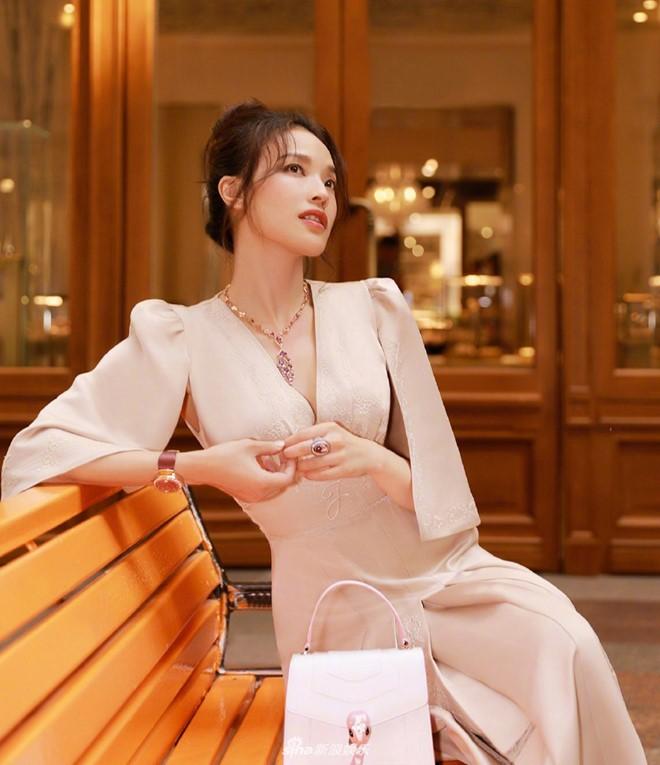 Thu Ky vuong tin don dinh liu quan tham co 100 nhan tinh-Hinh-2