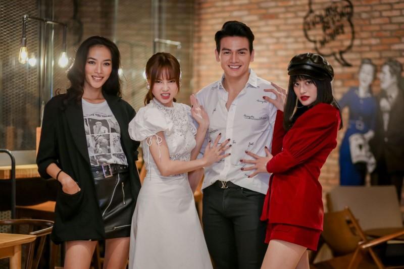 Cong khai yeu Chi Dan, Ninh Duong Lan Ngoc van