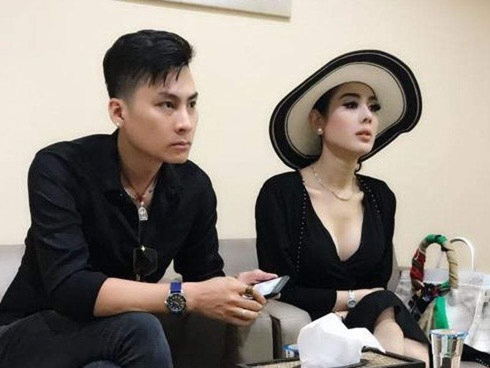 Lam Khanh Chi bat ngo doa ly di chong dien trai sau 1 nam ket hon-Hinh-2