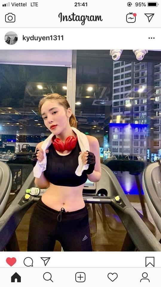 """Bi anti fan nhac lai scandal hut bong cuoi, Ky Duyen """"phan phao"""""""