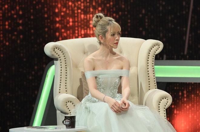 Vua lo anh hen ho Lan Ngoc, Chi Dan bi nghi phan boi ban gai hot girl-Hinh-3
