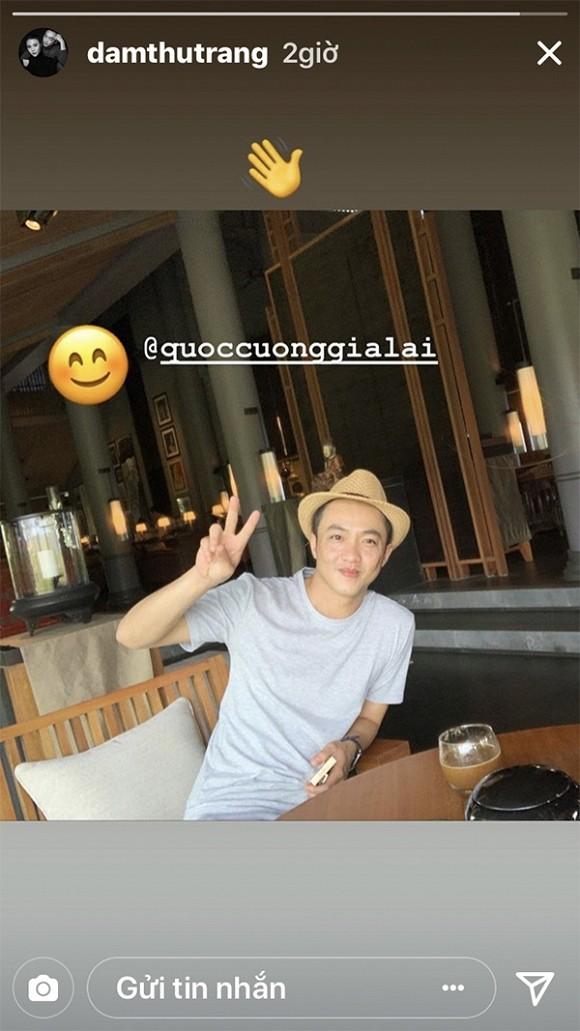 Dam Thu Trang dang anh vui ve ben Cuong Do La