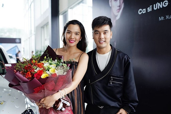 Ung Hoang Phuc tang qua vo chinh thuc tro thanh