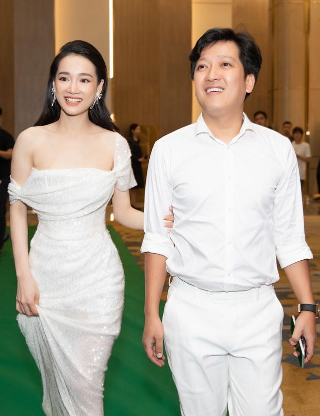 Truong Giang len tieng giai thich khi bi che ban com voi gia