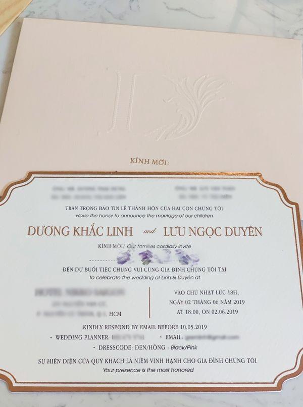 Lo thiep cuoi sang trong, dep tuyet my cua Duong Khac Linh
