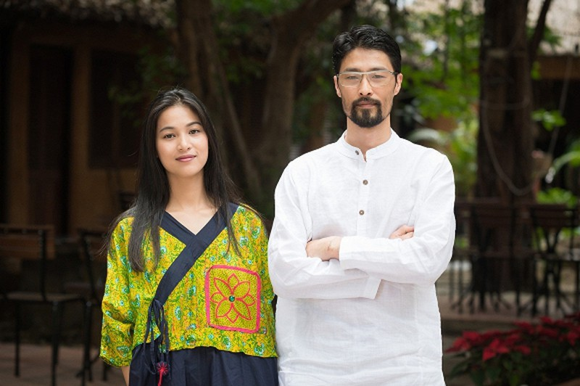 Hoi xuan, Johnny Tri Nguyen da lay lai phong do nhan sac-Hinh-2