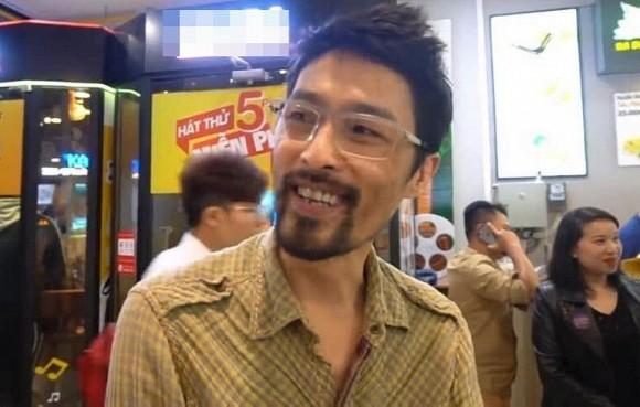 Hoi xuan, Johnny Tri Nguyen da lay lai phong do nhan sac