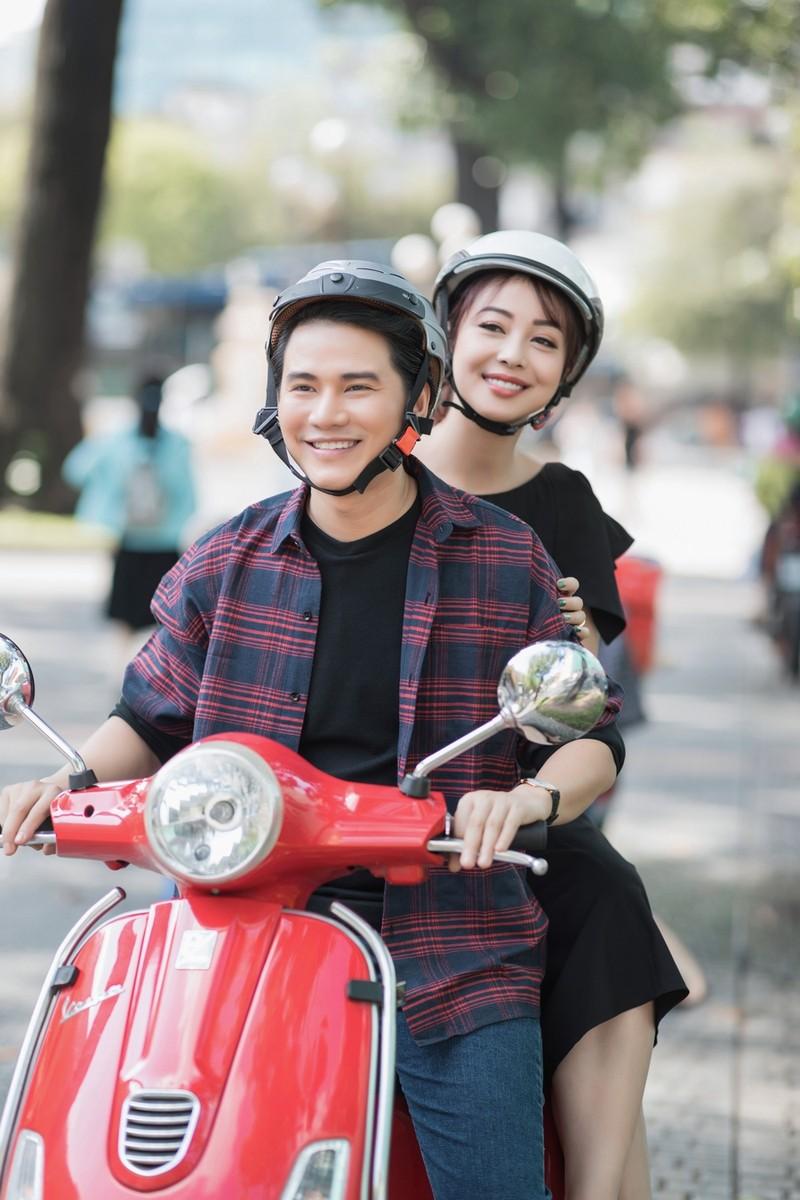 Chuyen doi cua MC dien trai la dai su ao dai Viet Nam 2019-Hinh-2