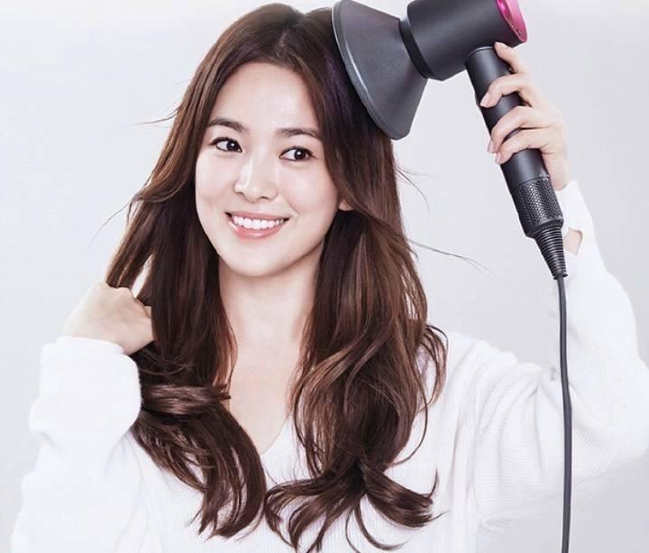 Tinh duyen trac tro cua Song Hye Kyo duoc bao truoc qua nhan tuong hoc
