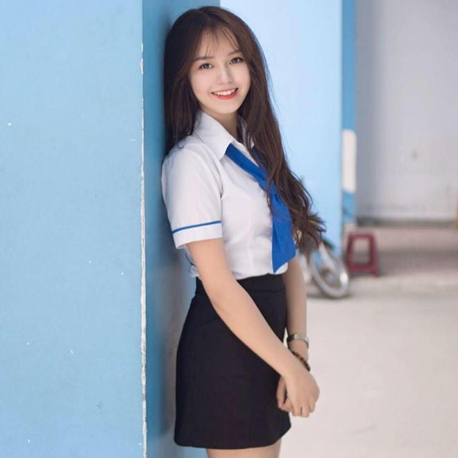 Hot girl IT co thang kiem 50 trieu dong sau khi noi tieng tren mang