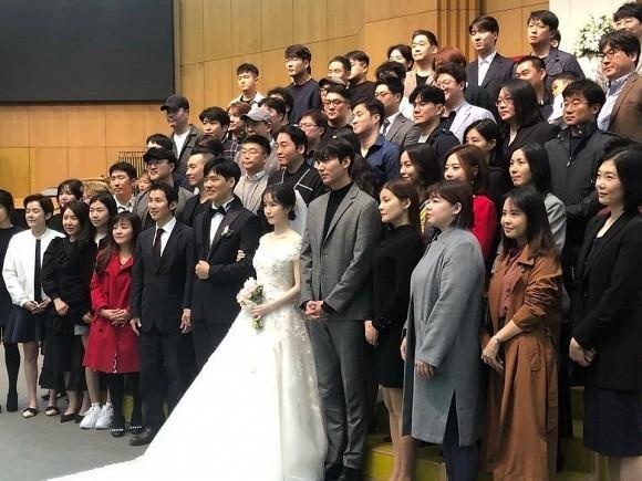 Lee Min Ho dep tua than trong dam cuoi ban than, che mo chu re