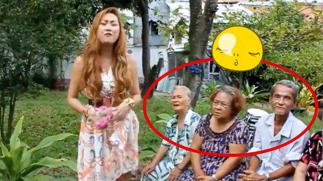 Hoa hau - A hau Viet khoe giong hat: Noi am anh kinh hoang-Hinh-3