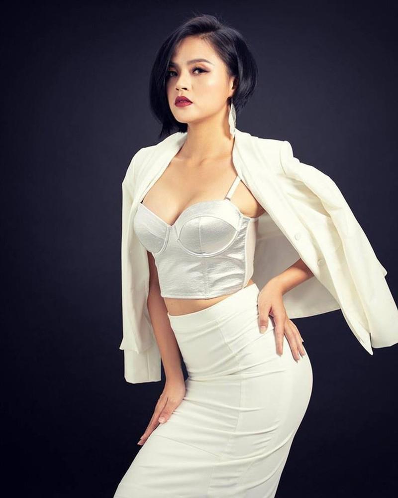 Tin don clip nong, cuong dam chan dong showbiz Viet dip cuoi nam-Hinh-2