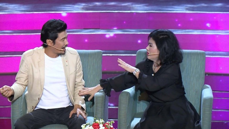 Thanh Thuy 'to' Tiet Cuong lang nhang, yeu mot luc 3-4 nguoi, so lay vo