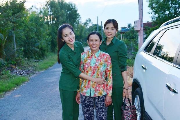 Me Nam Em bat ngo 'boc phot' con gai tren truyen hinh-Hinh-3