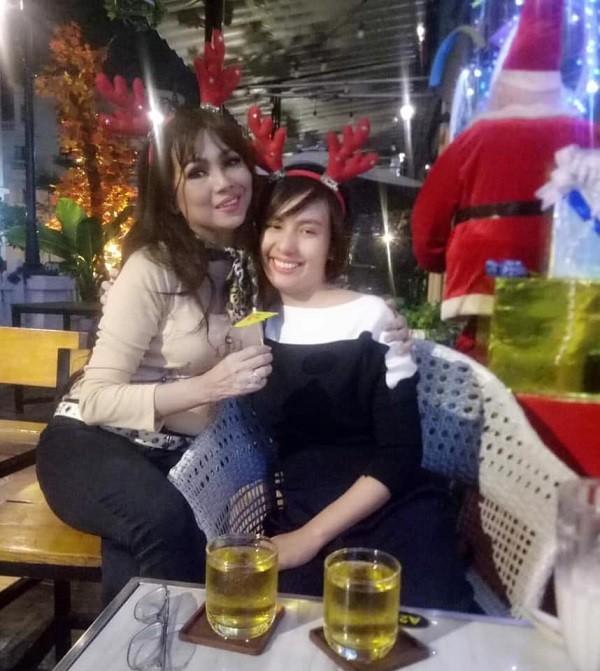 Dien vien 'Tieng set trong mua' liet nua nguoi vi nao ung thuy gio ra sao?-Hinh-3