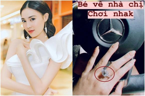 Lan Ngoc khoe nhan kim cuong sieu khung duoc dai gia
