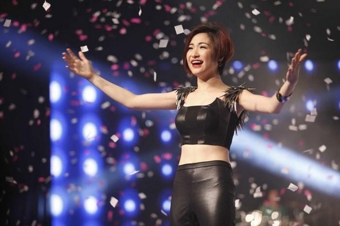 Hoa Minzy thi phi tu 'khoa moi' Cong Phuong toi tin don sinh con cho thieu gia