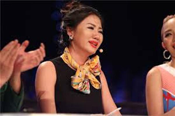 My nhan Viet khon kho nhu the nao sau khi bi phat tan clip nhay cam
