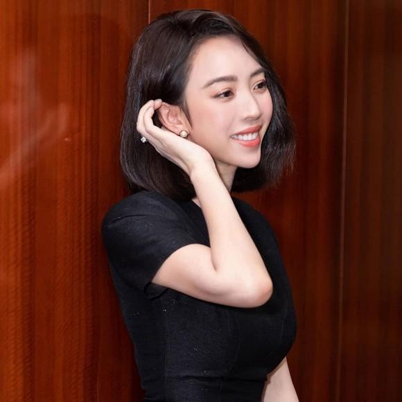 Bi dan mang che qua xau xi, Thu Trang dap tra tham thuy
