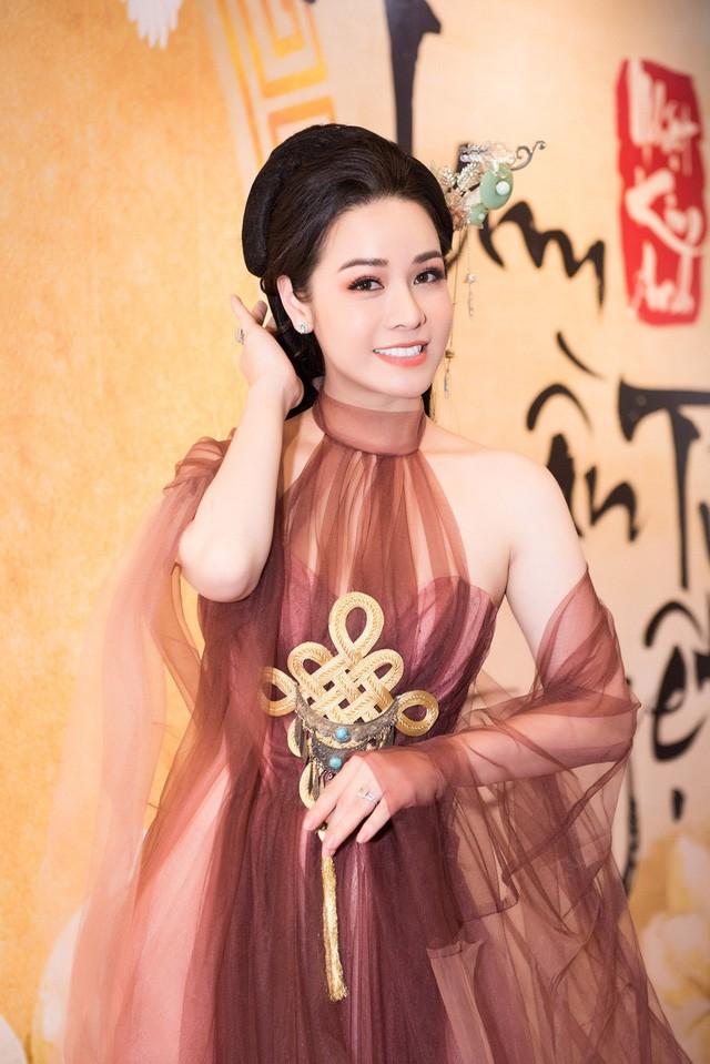 Nhat Kim Anh thang than chia se ve chuyen ket hon trong tuong lai