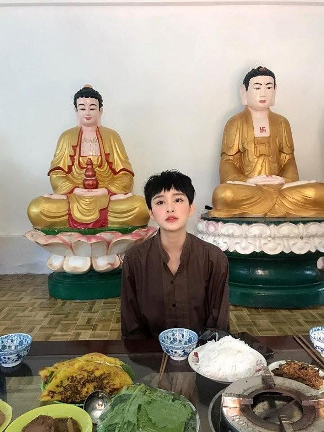Dang anh len chua, Hien Ho bi fan gan mac cau duyen-Hinh-2