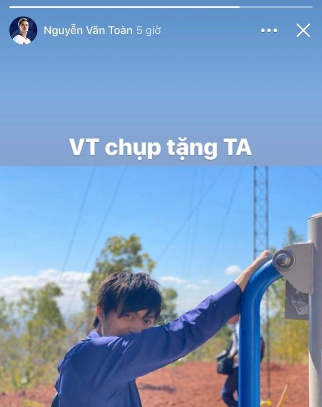 Tien dao Van Toan khoe chup anh 'song ao' cho Tuan Anh