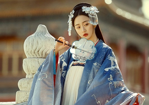 Ky la cong chua thoi nha Duong xinh dep nhung cuc kho lay chong-Hinh-2