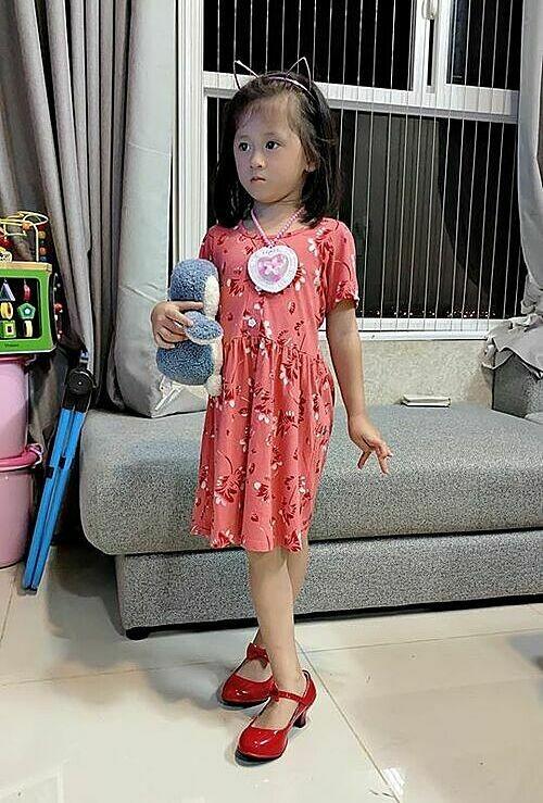 Con gai bi che qua binh thuong, Trang Tran chang ngan ngai dap tra