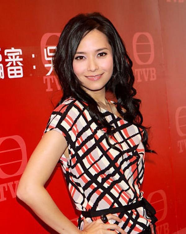 Nam than mot thoi cua TVB: 3 doi vo, lua tien ban gai-Hinh-6