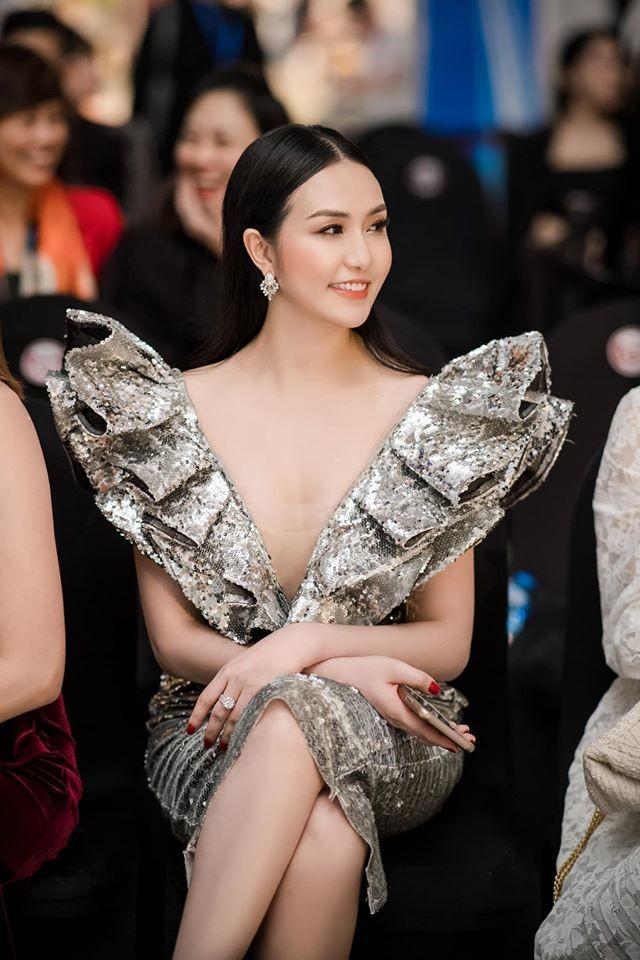 Vo Tuan Hung: 'Gai 3 con' van sexy nghet tho-Hinh-9