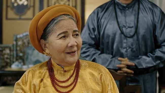 Phuong Khau: Hoa hau Khanh Van lam