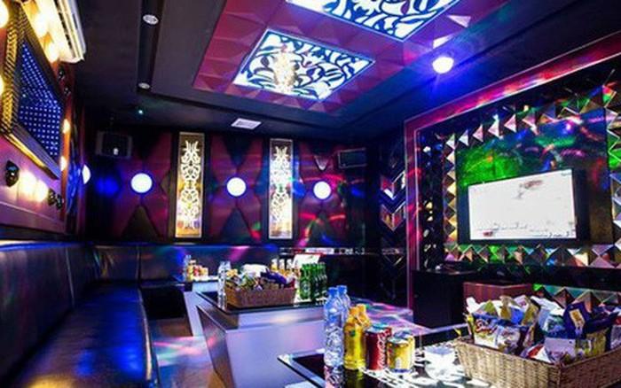 Chu quan bar, karaoke, gym than that thu do COVID-19