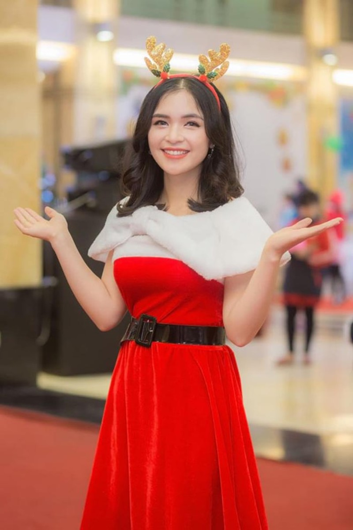 Chi gai Hoa Minzy bat ngo khoe anh dien bikini 'tha dang' goi cam-Hinh-10