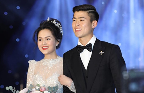 Dang livestream, Quynh Anh bong bat khoc khi duoc hoi ve Duy Manh-Hinh-7