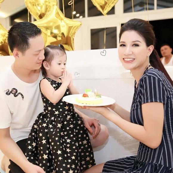 Thay gan 40 nguoi giup viec, Trang Tran bi chong che kho tinh-Hinh-2