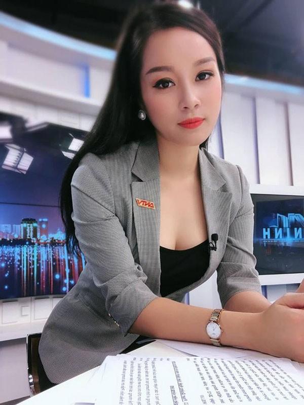 Kin dao khi len song, ngoai doi Vang Anh gu thoi trang trai nguoc-Hinh-3