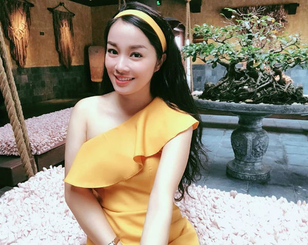 Kin dao khi len song, ngoai doi Vang Anh gu thoi trang trai nguoc-Hinh-8