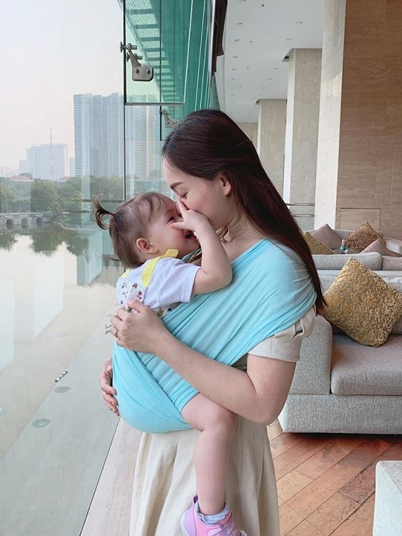 Lan Phuong khoe con gai 22 thang tuoi da biet het mat chu cai-Hinh-3
