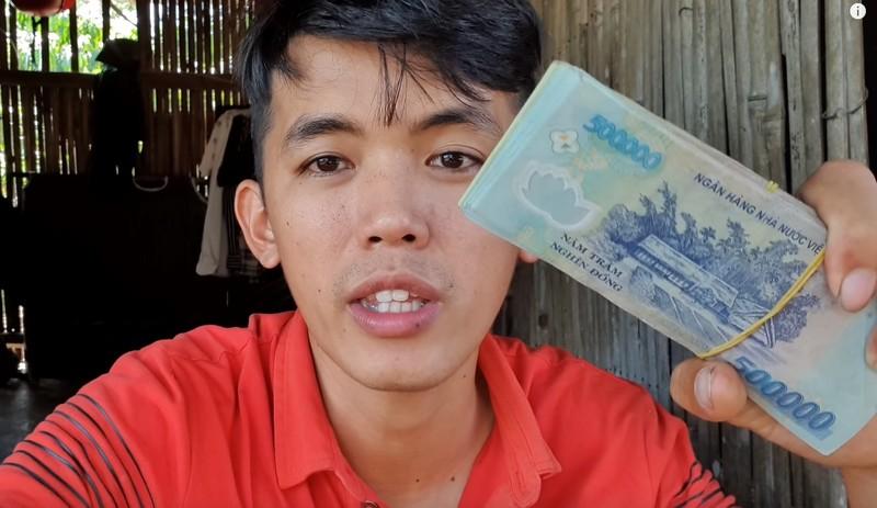 Chang phu ho la YouTuber ngheo nhat VN