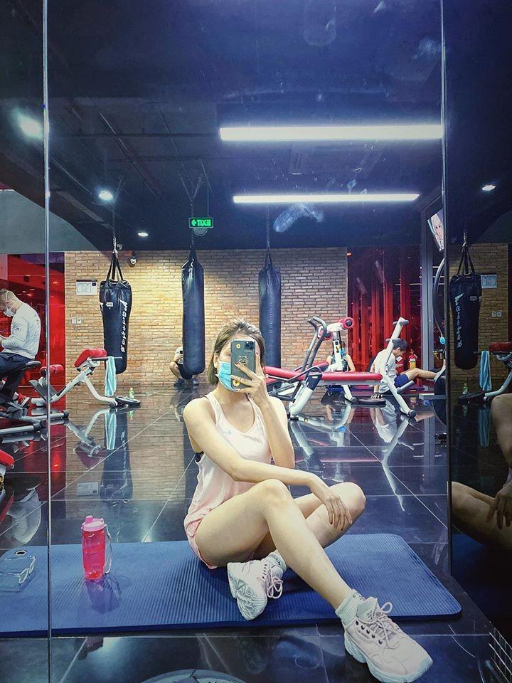 Giam can gian nan nhu hot girl Tram Anh-Hinh-4