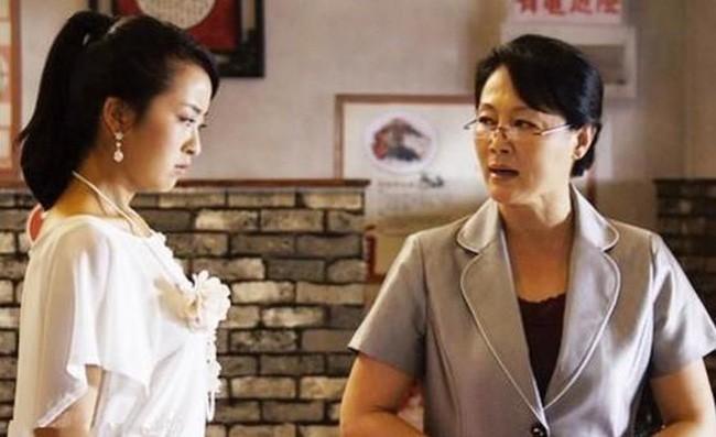 Nghi chi dau lay trom tien, em chong lam toang sau phai suong mat-Hinh-2