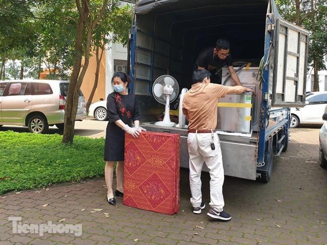Dung xe bo cho do dac 'nhuong' ky tuc xa lam khu cach ly-Hinh-7