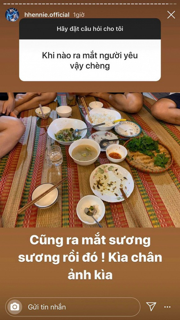 H'Hen Nie con tiet lo thoi quen an uong ngo nghinh cua ban trai-Hinh-3