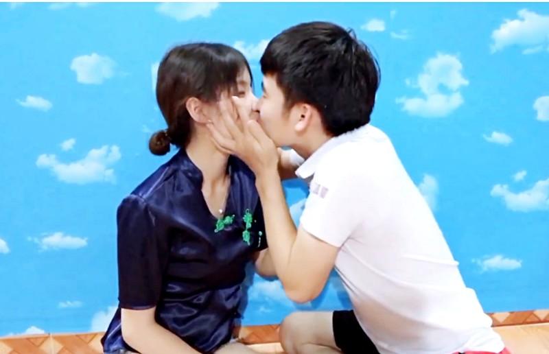 Con dau ba Tan Vlog tro lai lam YouTube-Hinh-3