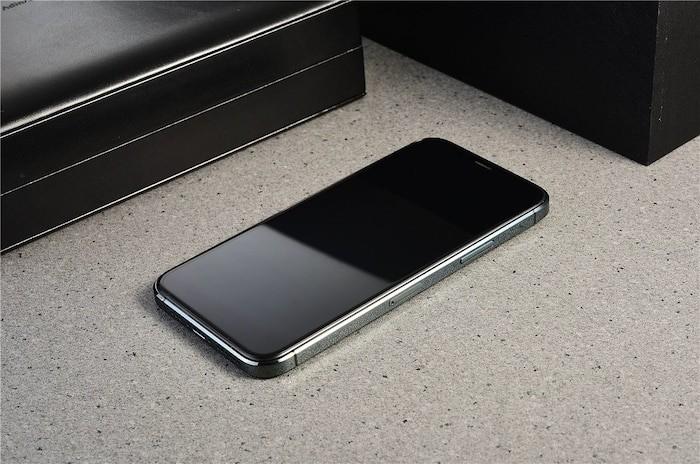 iPhone 12 'sieu to khong lo' xuat hien 'bang xuong bang thit'-Hinh-5