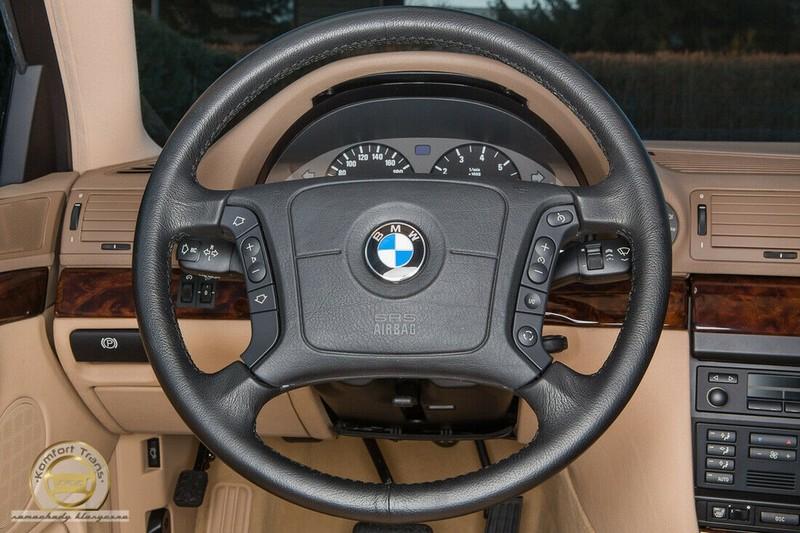 BMW 7-Series bi nhot trong long nhua suot 22 nam-Hinh-2