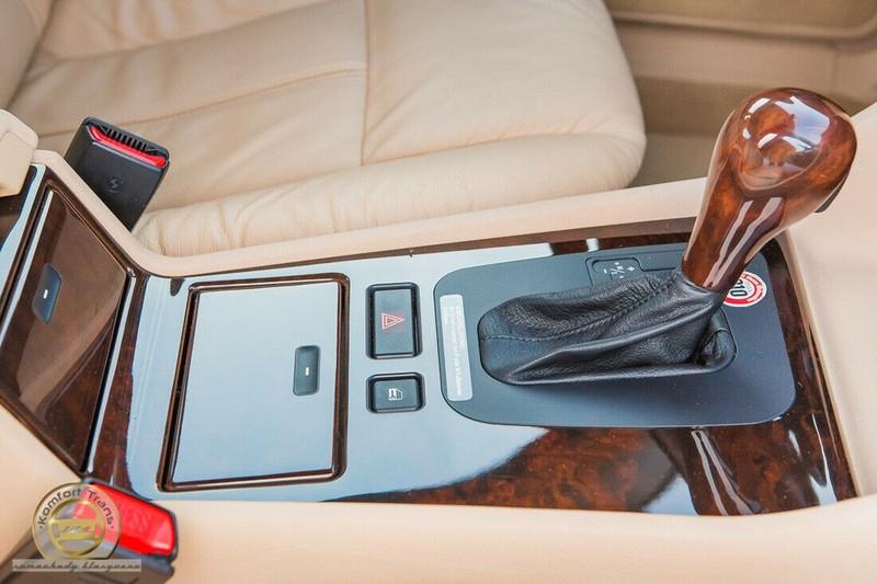 BMW 7-Series bi nhot trong long nhua suot 22 nam-Hinh-3