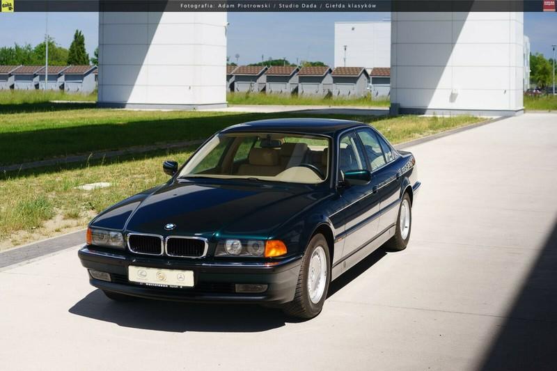 BMW 7-Series bi nhot trong long nhua suot 22 nam-Hinh-6