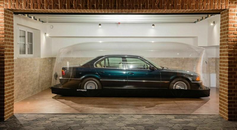 BMW 7-Series bi nhot trong long nhua suot 22 nam